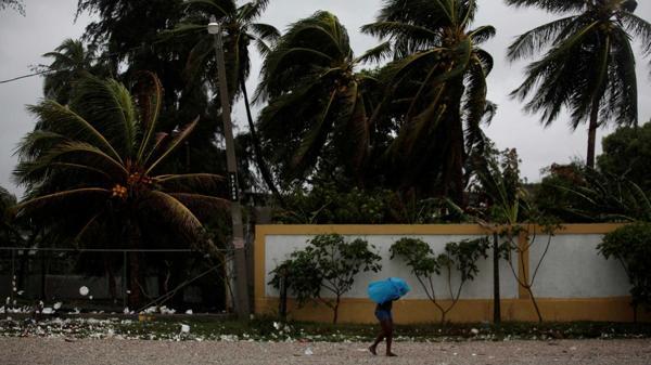 Decretan estado de emergencia en Florida ante el avance del huracán Matthew