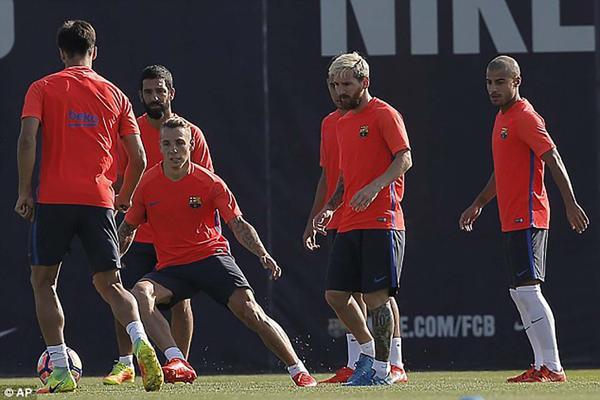 Messi lleva tres semanas fuera de las canchas (AP)