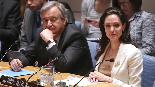 Guterres junto a la actriz Angelina Jolie, durante sus dos mandatos como responsables del ACNUR (Getty Images)