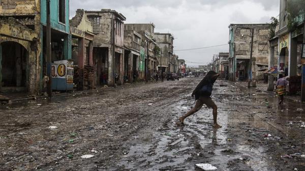 La devastación en Haití llevó a las autoridades locales a posponer unas elecciones presidenciales (AFP)