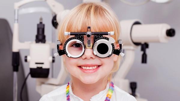 Es fundamental el control oftalmológico en niños (iStock)