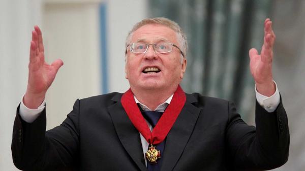 Imagen del día que Zhirinovsky fue premiado por Putin por su carrera política (Reuters)