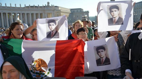 Feligreses mexicanos asistieron a la santificación de Sánchez del Río (AFP)