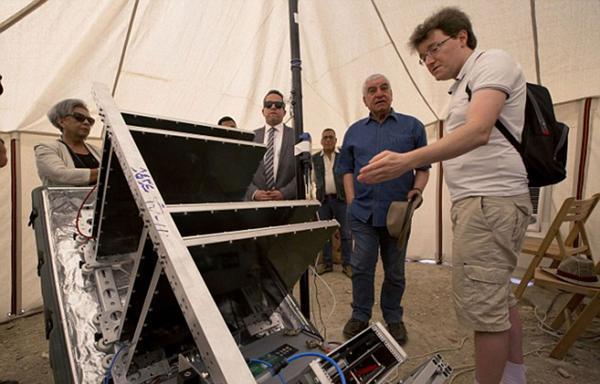 Los científicos usaron una máquina que detecta muones en el interior de la pirámide de Keops