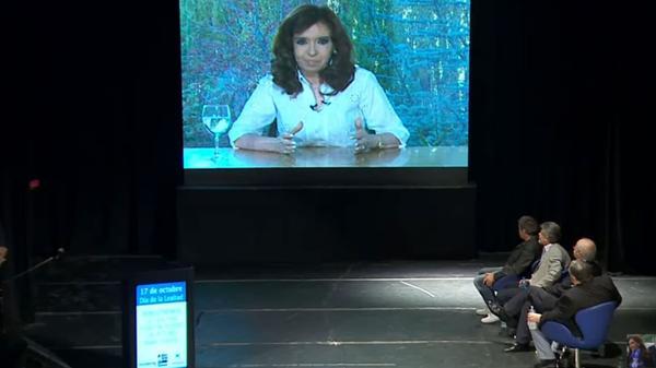 La ex presidente habló por videoconferencia
