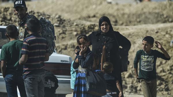 Gente huyendo de Mosul (AFP)