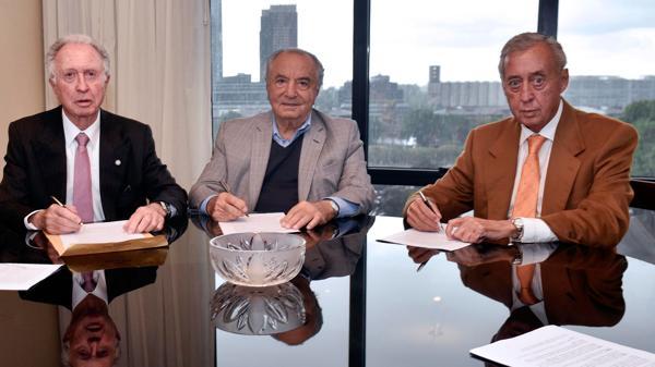 Osvaldo Cornide, Armando Cavalieri y Jorge Di Fiori (Télam)