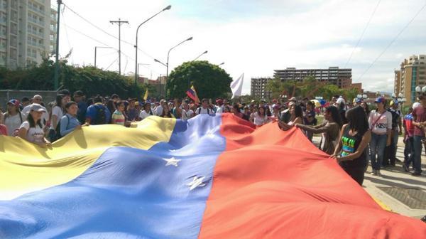 Las fuerzas chavistas obstaculizaron los distintos accesos a Caracas