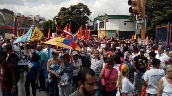 La oposición convocó a una marcha hacia Miraflores el próximo 3 de noviembre