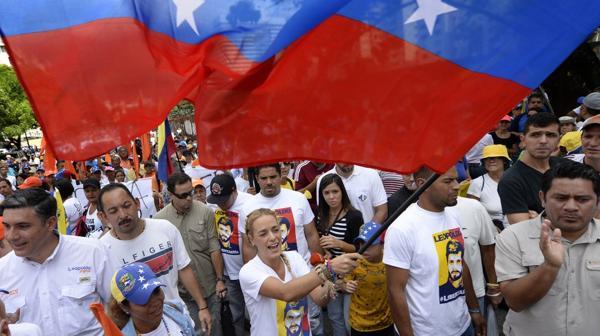 """Lilian Tintori en la """"Toma de Venezuela"""" (AFP)"""