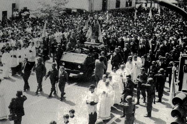 Desfile cívico-militar en Tucumán durante el despliegue (Archivo Ejército)