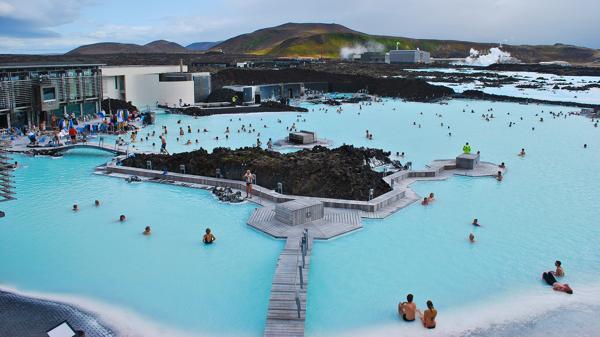 La laguna azul, principal atracción turística de Islandia (Shutterstock)