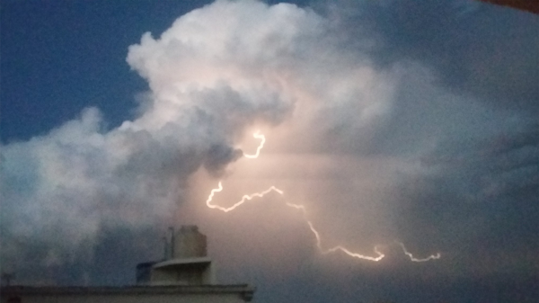 La tormenta incluyó descargas eléctricas