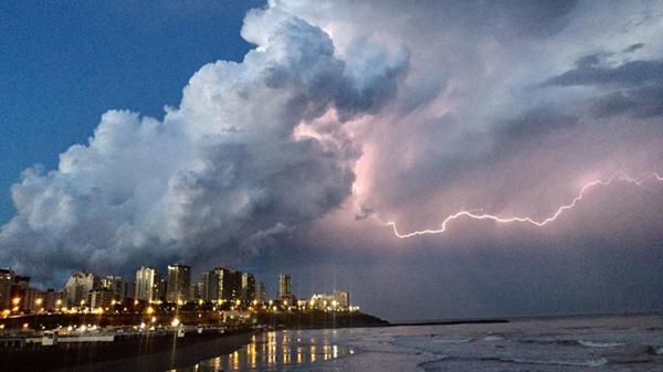 Decenas de usuarios reflejaron la tormenta en las redes sociales