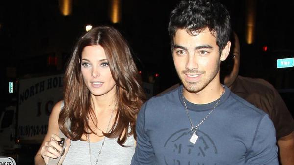 Joe Jonas y Ashley Greene