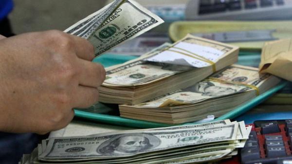 La demanda de dólares tiene un alto componente estacional (Reuters)