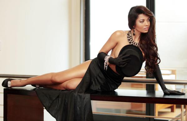 Es una reconocida cantantenacida en Guayaquil