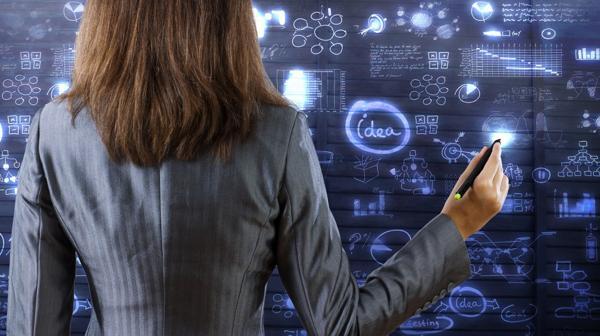 Las mujeres buscan ganar un lugar en la industria tecnológica (Istock)