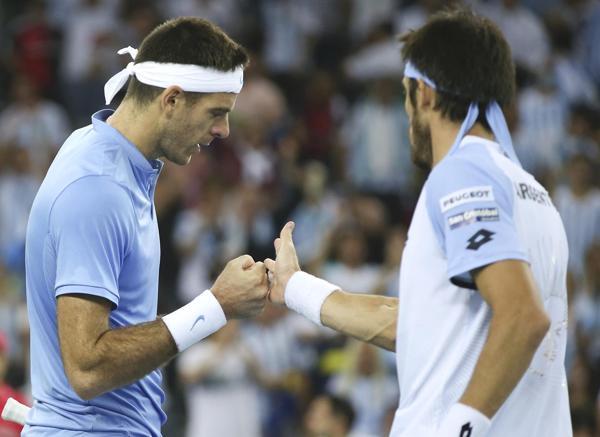 Del Potro y Mayer no pudieron en el dobles (REUTERS/Marko Djurica)