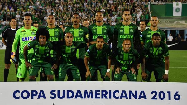 Chapecoense iba a disputar la final de la Copa Sudamericana frente a Atlético Nacional el miércoles (AFP)