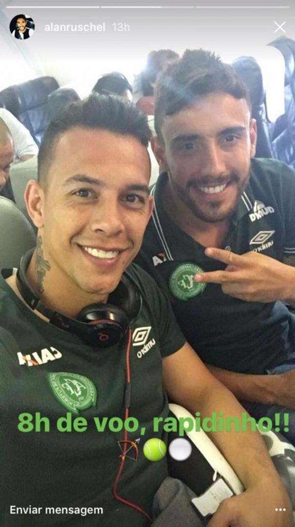 La foto que publicó en las redes el brasileño Alan Ruschel antes de la partida del avión