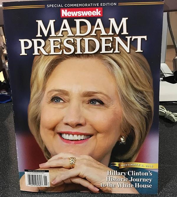 La fallida edición de Newsweek con Hillary Clinton como presidente se subasta en eBay