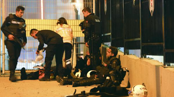 Entre los heridos habían varios oficiales de la policía (Reuters)