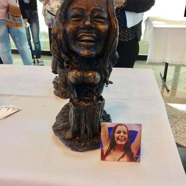 La escultura de Larissa