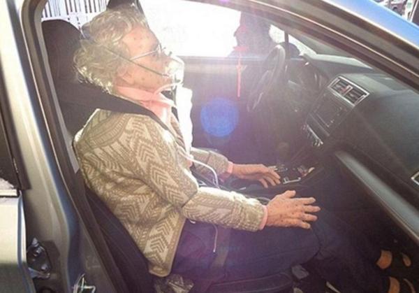 El maniquí era tan real que hasta los policías pensaron que era una anciana congelada (Crédito: Policía de Nueva York)