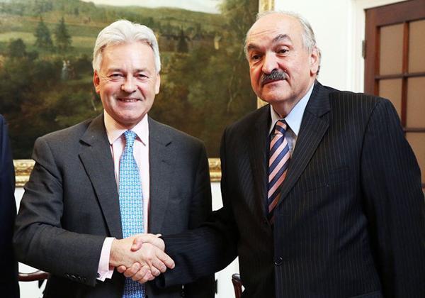 Alan Duncan y Pedro Villagra