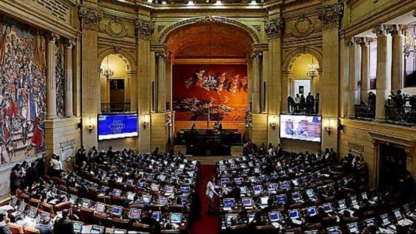 El Senado de Colombia votó a favor de la amnistía a guerrilleros condenados por delitos menores (EFE)