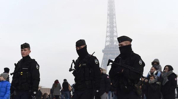En París habrá un operativo de seguridad especial para recibir el año nuevo (AFP)