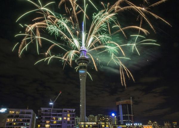 El cielo de Nueva Zelanda se iluminó con los fuegos artificiales (AP)
