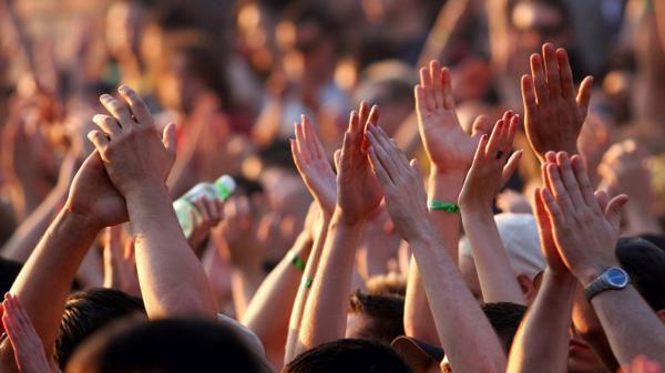 Las fiestas veraniegas vuelven a dejar en evidencia el mal que acecha a la juventud (iStock)