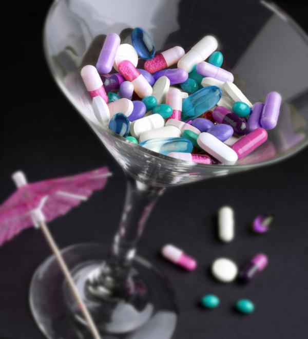 Las pastillas se mezclan con otras drogas, como el alcohol(iStock)