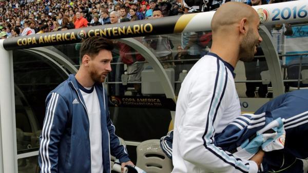 Messi junto a Mascherano, uno de sus laderos, en la Copa América Centenario (Conmebol)